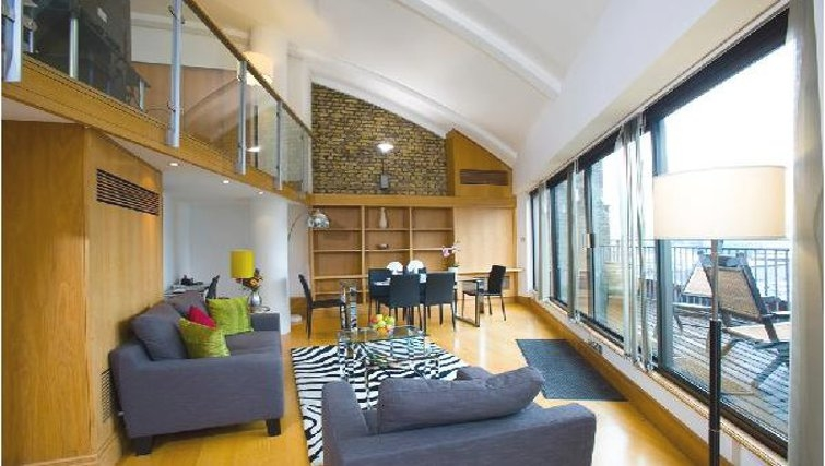 Phenomenal living area in Oakwood Monument Street Apartments - Citybase Apartments