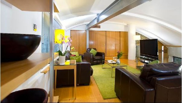Beautiful living area in Oakwood Monument Street Apartments - Citybase Apartments