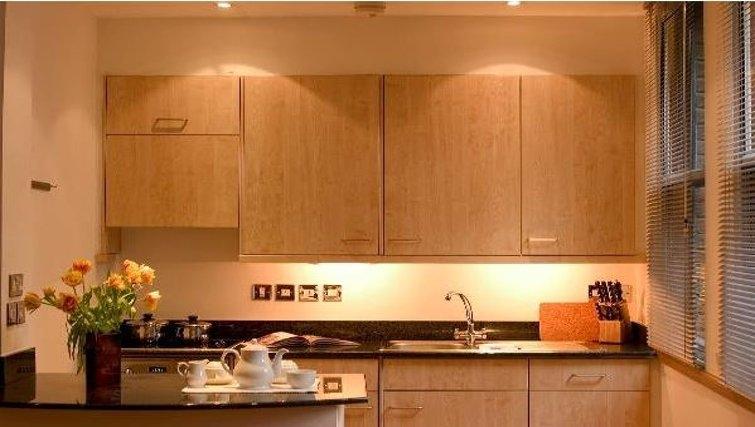 Stunning kitchen in Oakwood Monument Street Apartments - Citybase Apartments