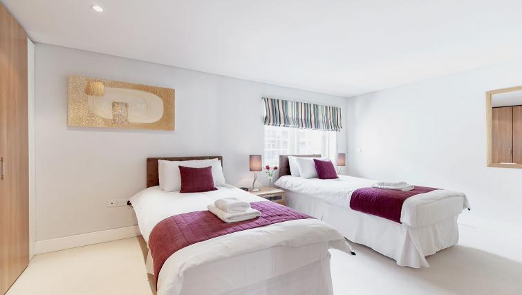Bedroom in Marina Place Apartments - Citybase Apartments