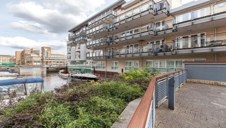 Exterior of Marina Place Apartments - Citybase Apartments