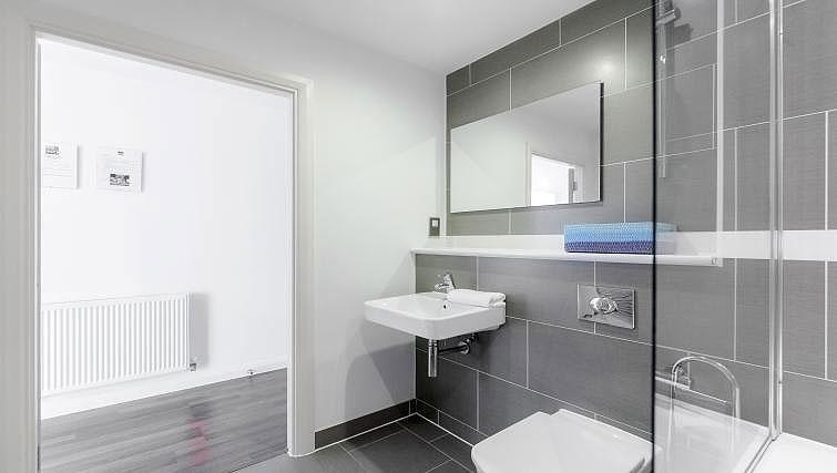 Bathroom at Chorus Apartment - Citybase Apartments