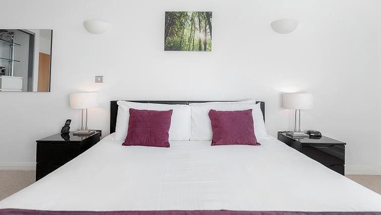 Bed at Chorus Apartment - Citybase Apartments