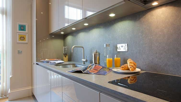 Modern kitchen at Flying Butler Queen's Club Apartments - Citybase Apartments