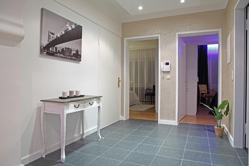 Hallway at Villa Giada Apartments - Citybase Apartments
