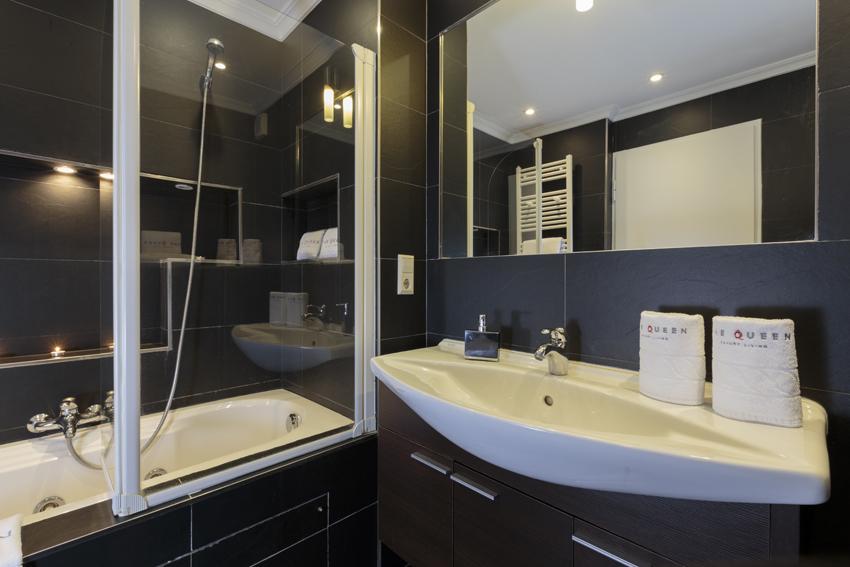 Sink at Villa Giada Apartments - Citybase Apartments