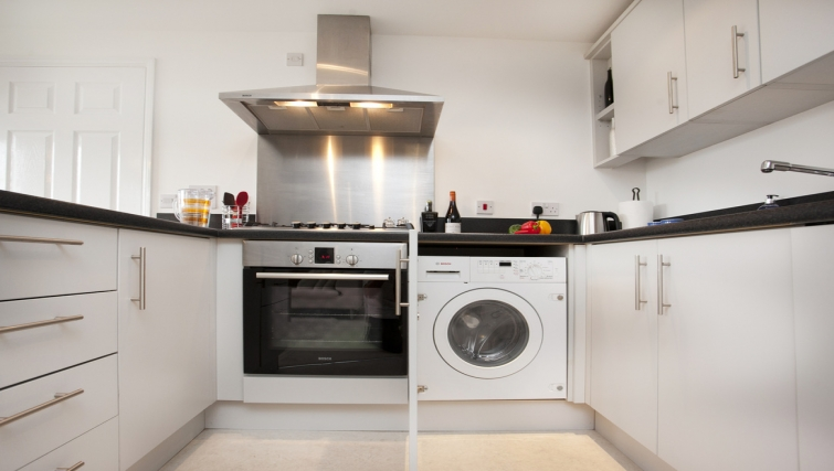 Homely kitchen in Canalside Apartment - Citybase Apartments