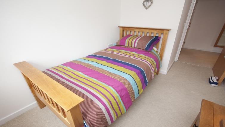 Single bedroom at Cricket Heaven Apartment - Citybase Apartments