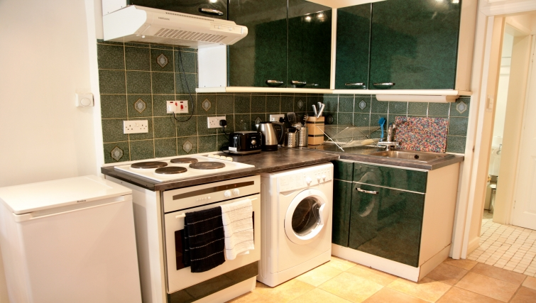 Basic kitchen at Marylebone Apartments - Citybase Apartments