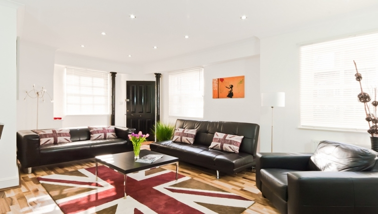 Living room at Marylebone Apartments - Citybase Apartments