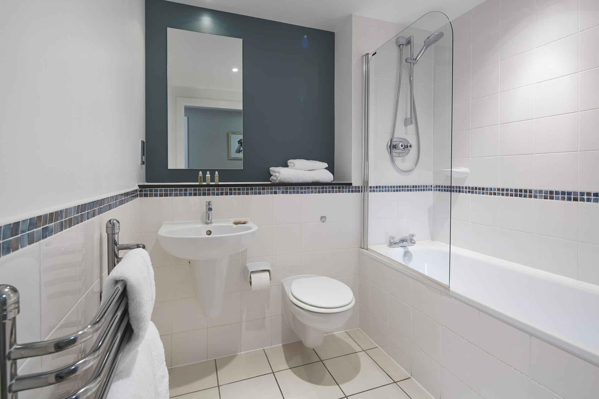 Bathroom at Empire Square Apartments, London Bridge, London - Citybase Apartments