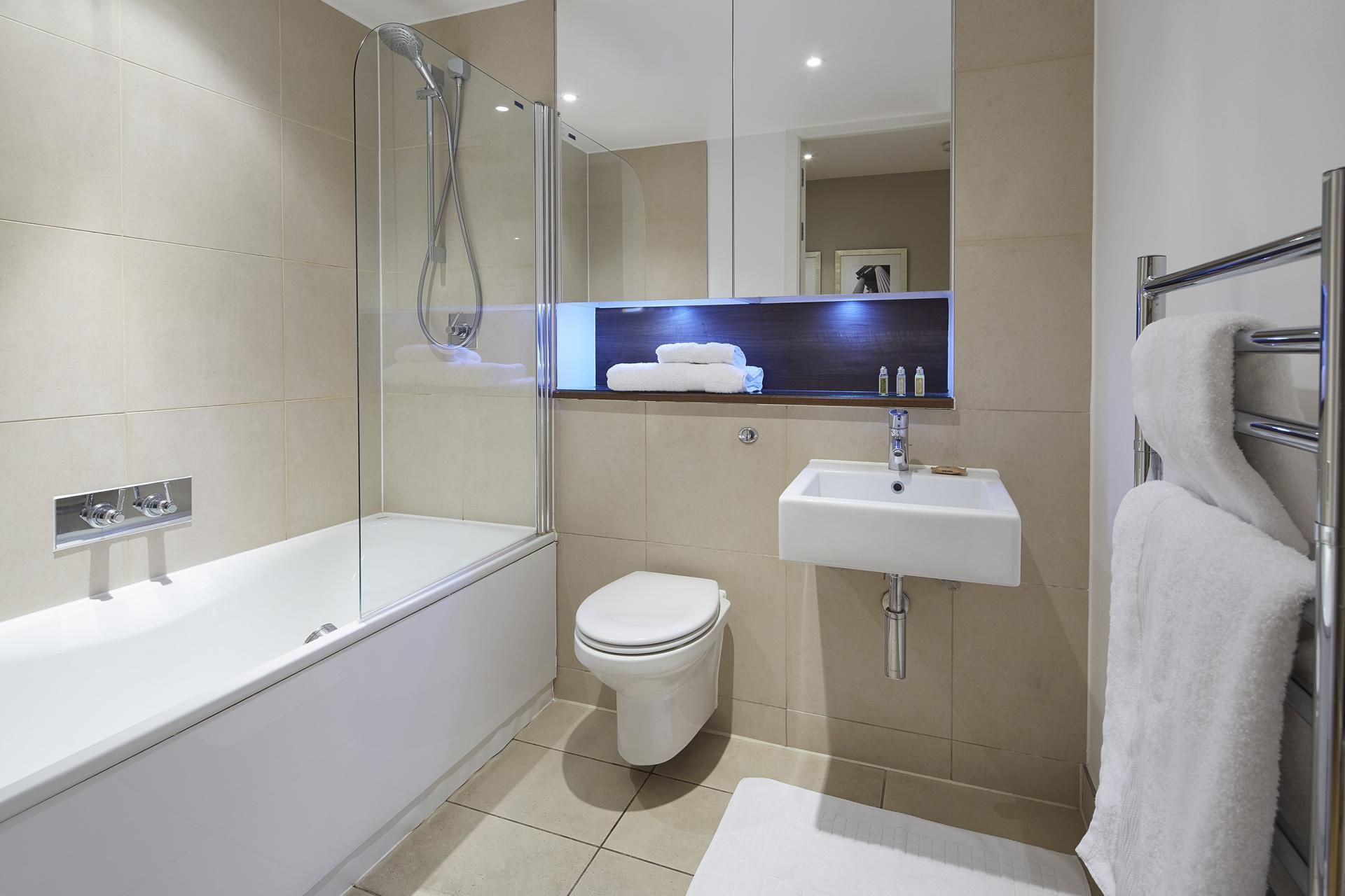 Bath at Empire Square Apartments, London Bridge, London - Citybase Apartments