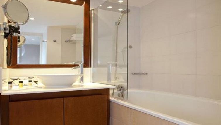 Bathroom in Residhome Parc du Millenaire Apartments - Citybase Apartments