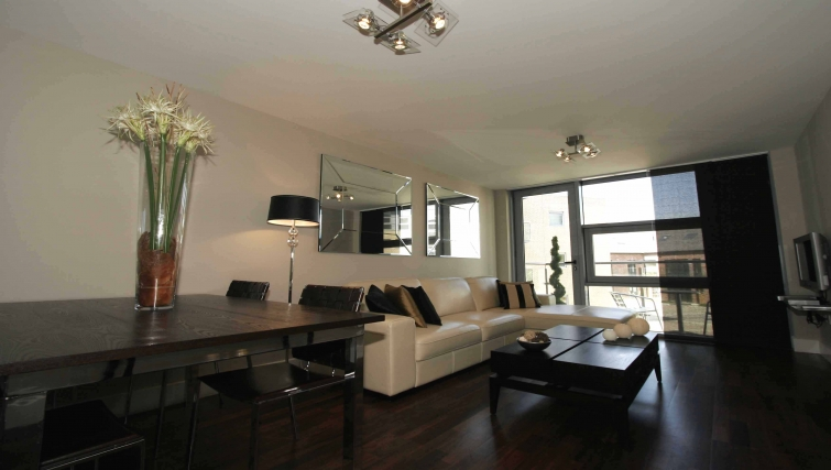 Comfortable living area in Lime Square Apartments - Citybase Apartments