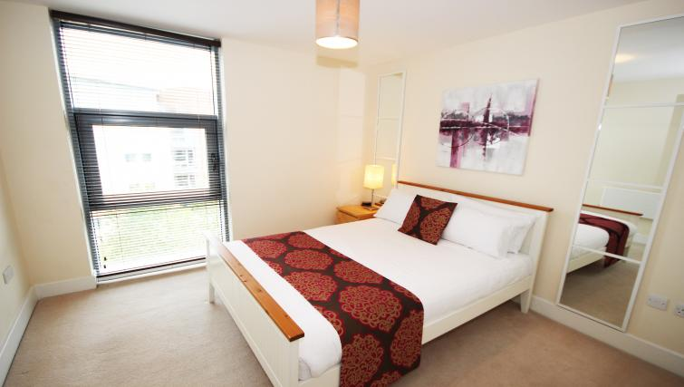 Double bedroom at Lime Square Apartments - Citybase Apartments