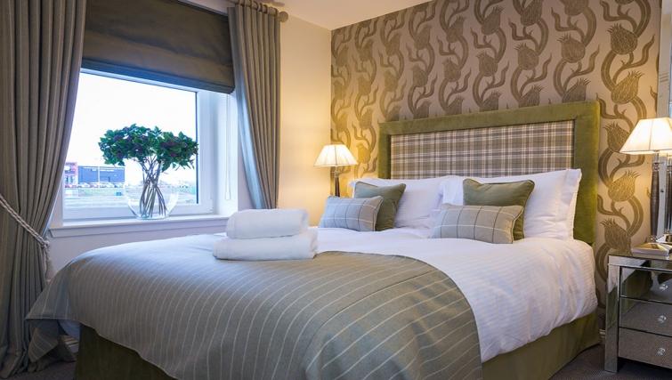 Bedroom at Charleston Apartments - Citybase Apartments