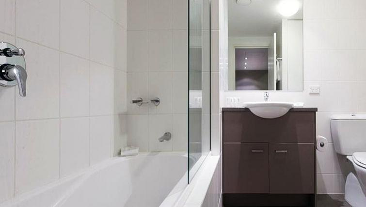 Bathroom at Quest Mascot - Citybase Apartments