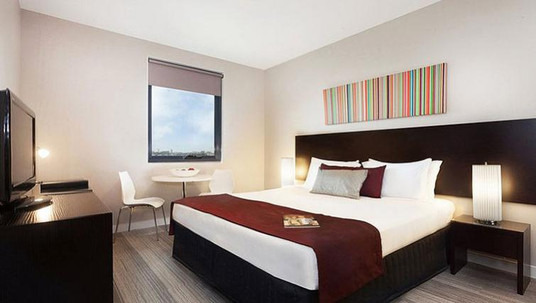 Double bedroom at Quest Mascot - Citybase Apartments