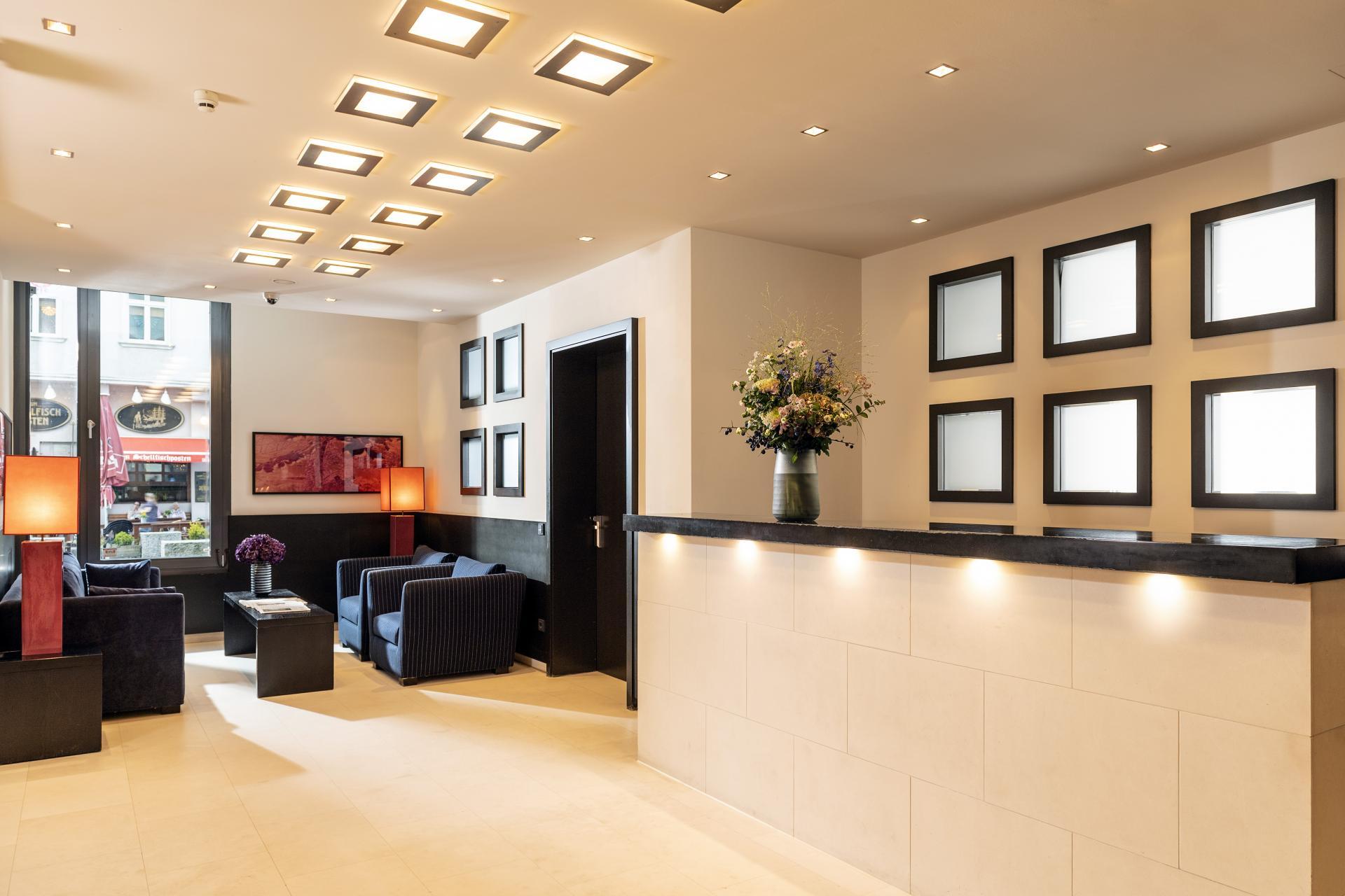 Lobby at Clipper Elb Lodge - Citybase Apartments