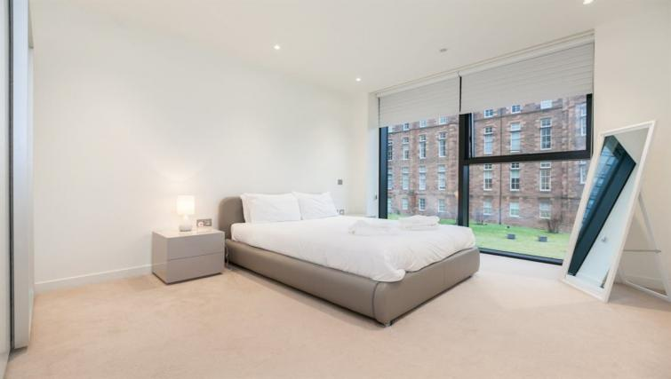 Spacious bedroom at Quartermile Simpson Apartments - Citybase Apartments