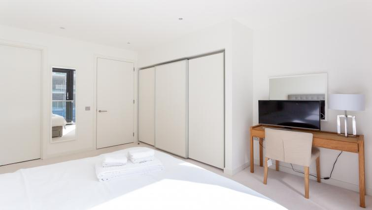 Master bedroom at Quartermile Simpson Apartments - Citybase Apartments