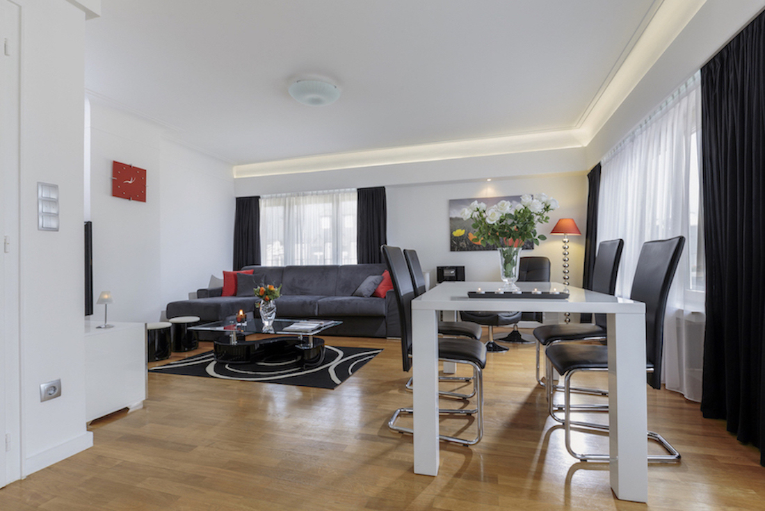Spacious living area at Villa Carlotta Apartments - Citybase Apartments
