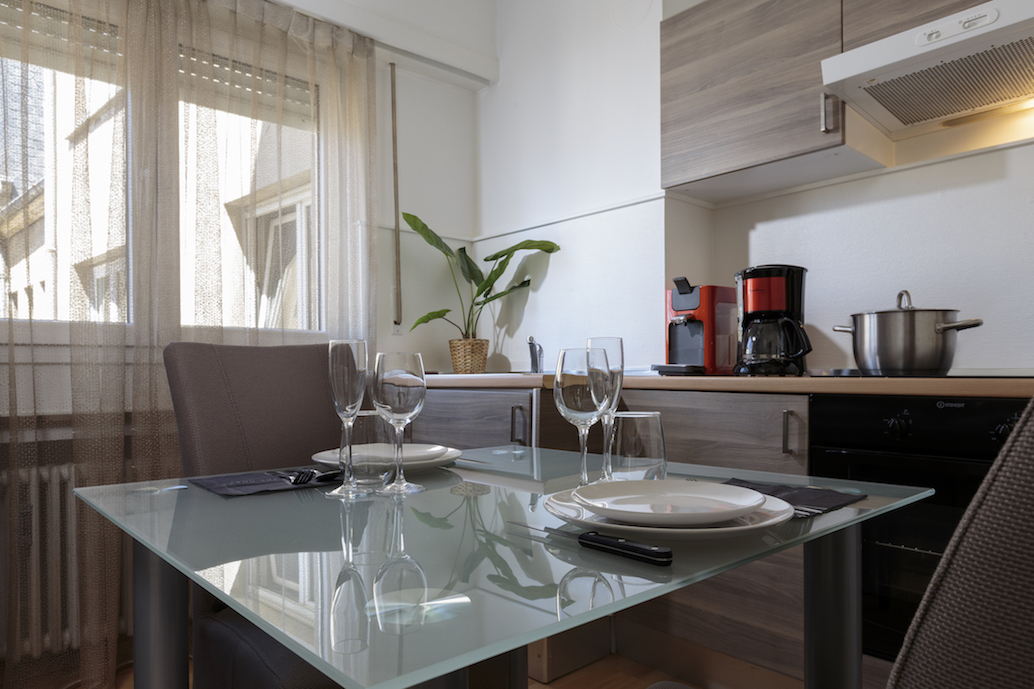 Dining table at Villa Carlotta Apartments - Citybase Apartments