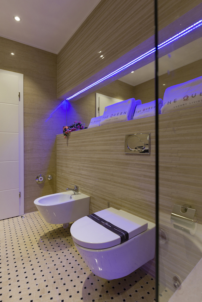 Stylish bathroom at Villa Carlotta Apartments - Citybase Apartments