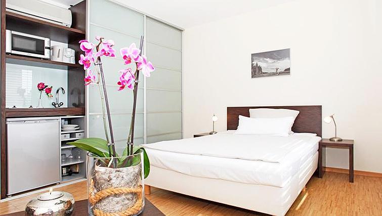 Bedroom at Paragon Apartments - Citybase Apartments