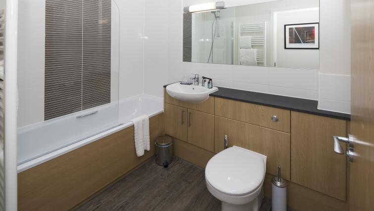Bathroom at Beneficial House Apartments - Citybase Apartments