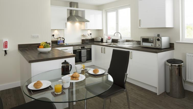 Dining area at Beneficial House Apartments - Citybase Apartments