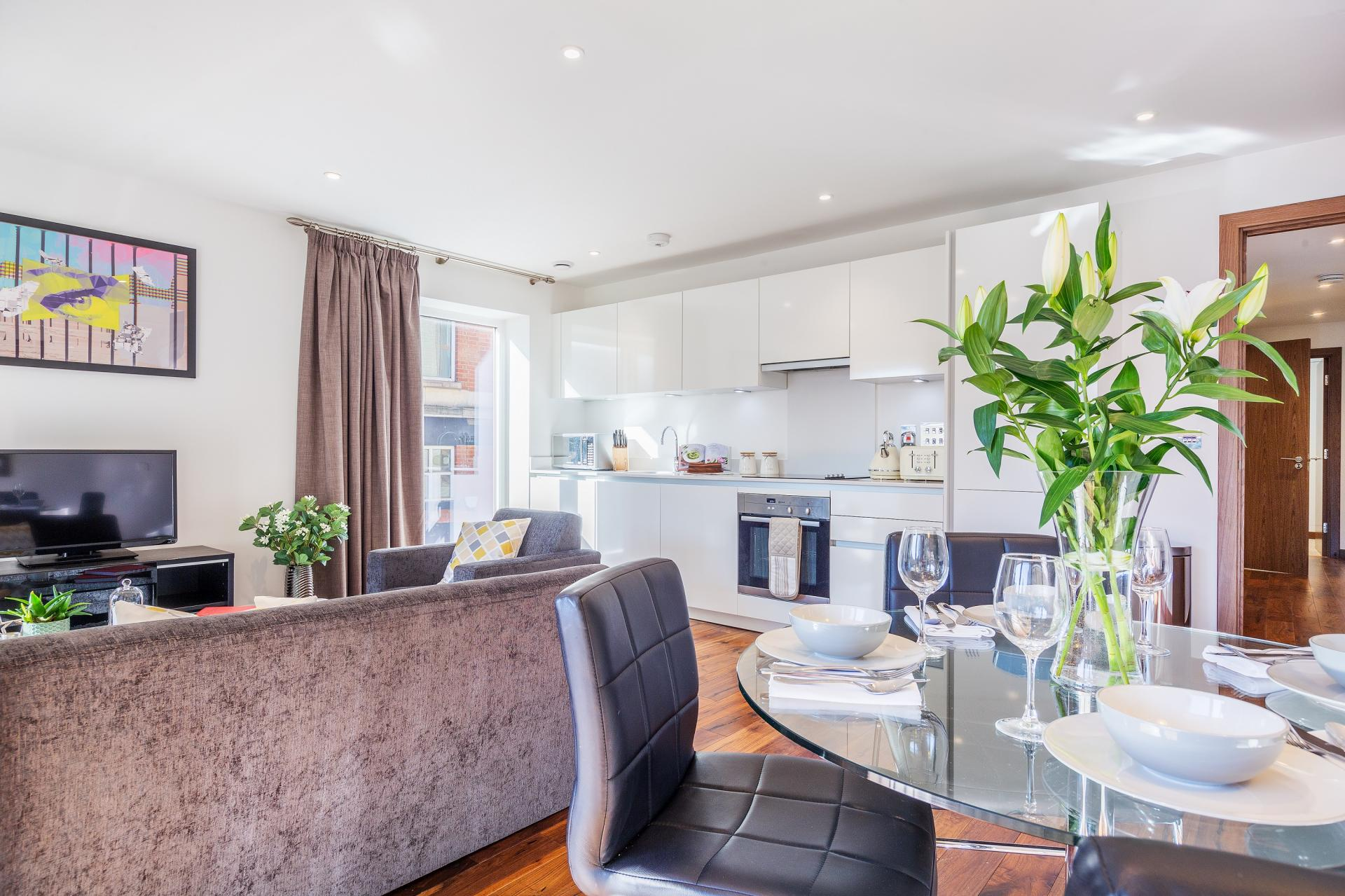 Dining table at Shoreditch Square Apartments - Citybase Apartments