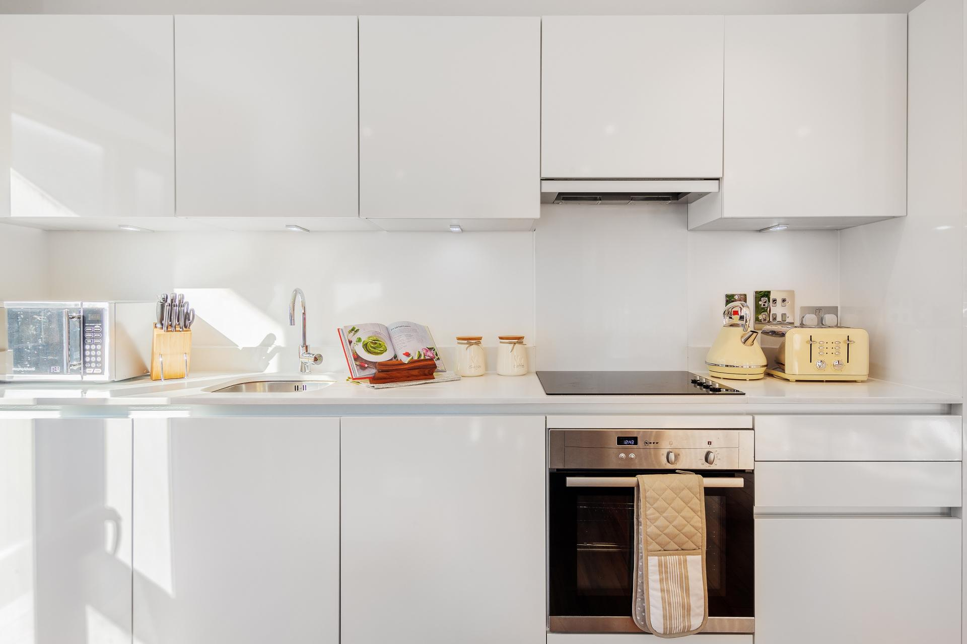 Oven at Shoreditch Square Apartments - Citybase Apartments