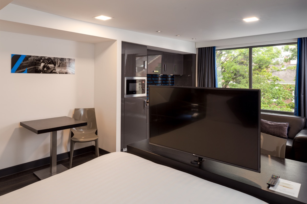 Modern studio at Roomzzz Chester City Apartments - Citybase Apartments