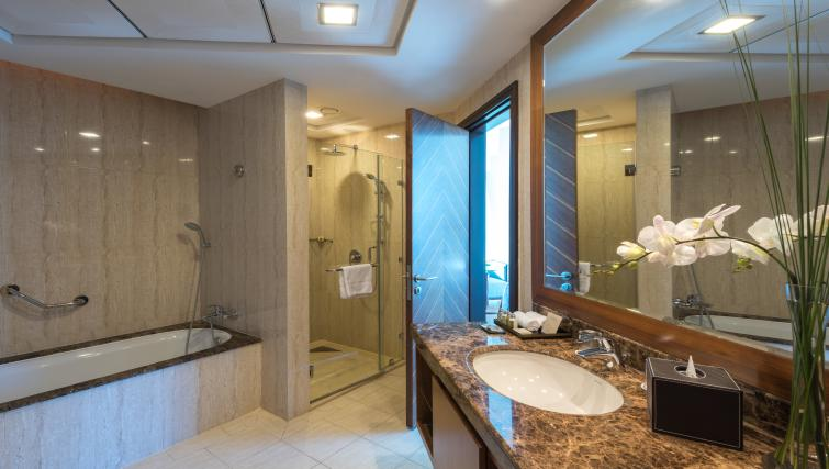 Immaculate bathroom at Fraser Suites Dubai - Citybase Apartments