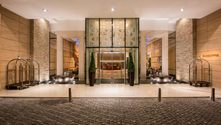 Front entrance at Fraser Suites Dubai - Citybase Apartments