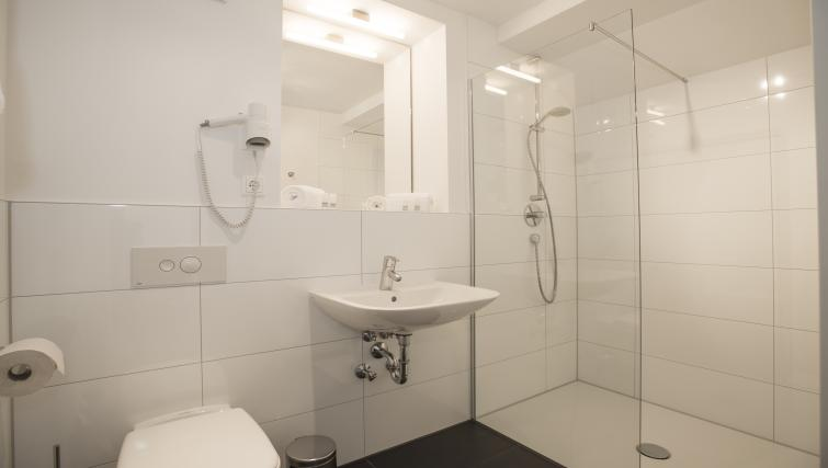 Shower at The Stay Residence - Citybase Apartments