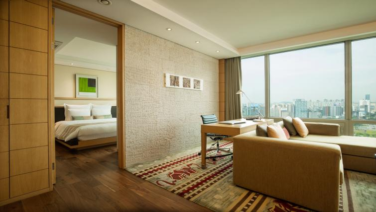 Bright living room at Marriott Executive Apartments Yeouido Park Centre - Seoul - Citybase Apartments