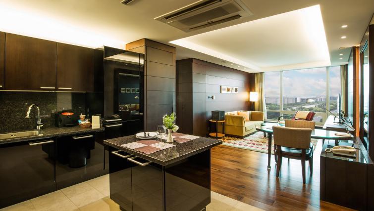 Open plan kitchen at Marriott Executive Apartments Yeouido Park Centre - Seoul - Citybase Apartments