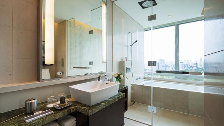 Bathroom at Marriott Executive Apartments Yeouido Park Centre - Seoul - Citybase Apartments