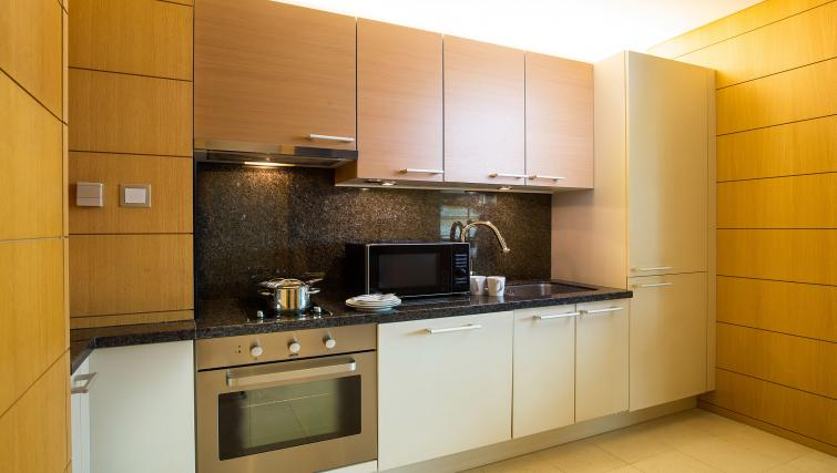 Equipped kitchen at Marriott Executive Apartments Yeouido Park Centre - Seoul - Citybase Apartments