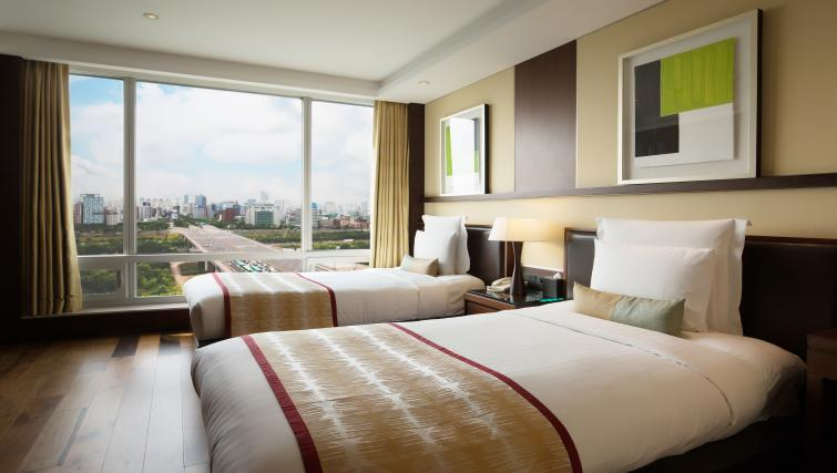 Twin beds at Marriott Executive Apartments Yeouido Park Centre - Seoul - Citybase Apartments