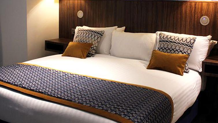 Bedroom at 91 Aparthotel Jesmond Road - Citybase Apartments
