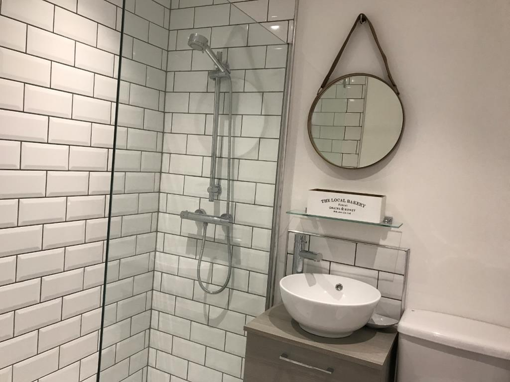 Stylish bathroom at St Andrew Square Apartments - Citybase Apartments