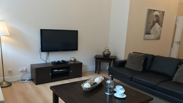 TV at St Andrew Square Apartments - Citybase Apartments