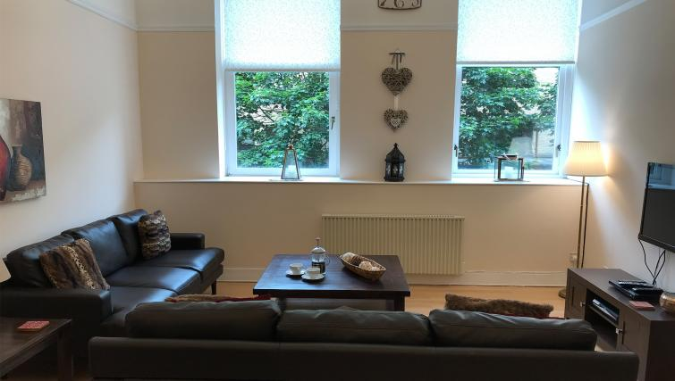 Living room at St Andrew Square Apartments - Citybase Apartments