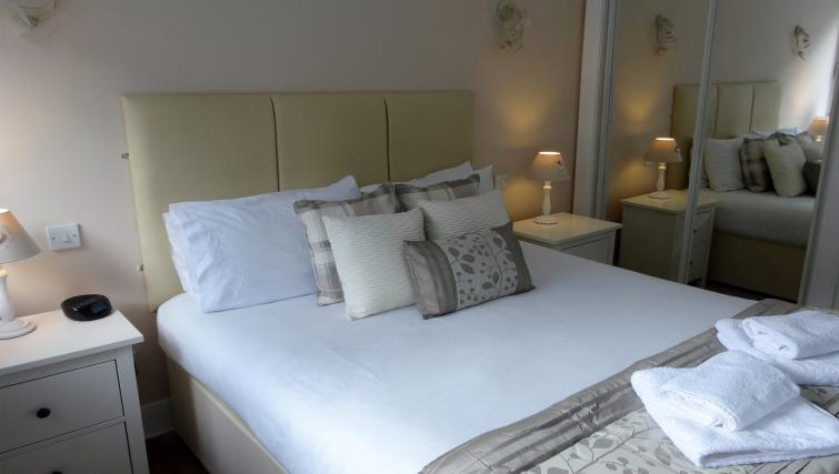 Bedroom at St Andrew Square Apartments - Citybase Apartments