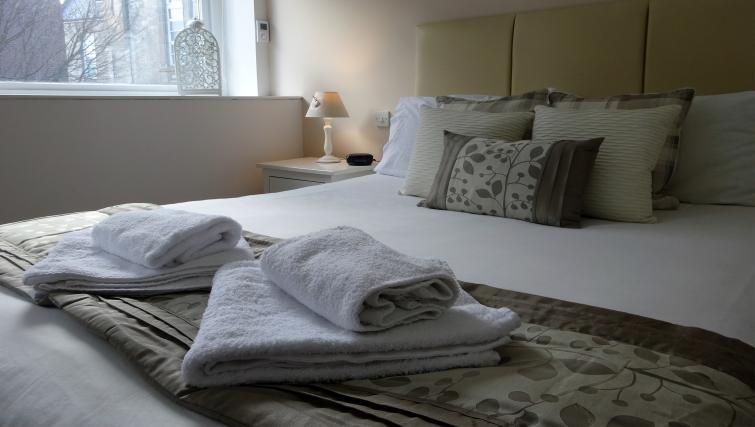 Cosy bedroom at St Andrew Square Apartments - Citybase Apartments