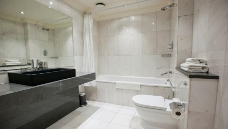Bathroom at Sanctum Maida Vale - Citybase Apartments