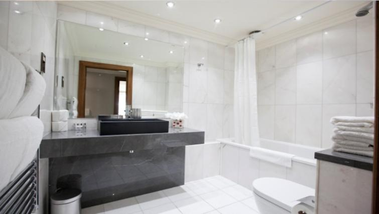 Sleek bathroom at Sanctum Maida Vale - Citybase Apartments